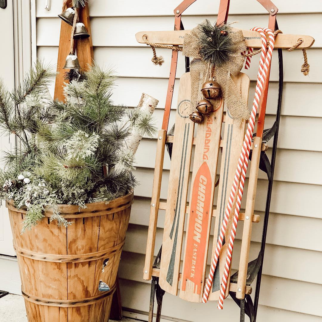 20-fun-ways-to-decorate-your-porch-for-christmas