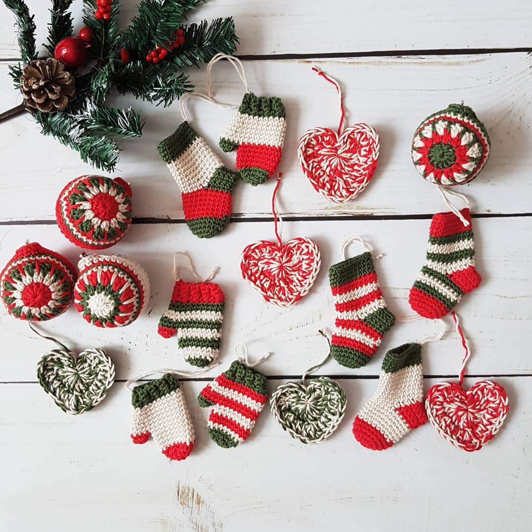 21-very-beautiful-and-free-christmas-ornament-crochet-patterns