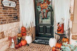 25-festive-outdoor-halloween-porch-decorations-2022