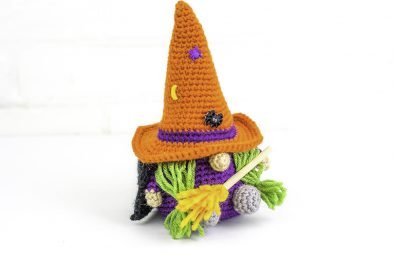easy-christmas-gnome-free-crochet-free-pattern-2020