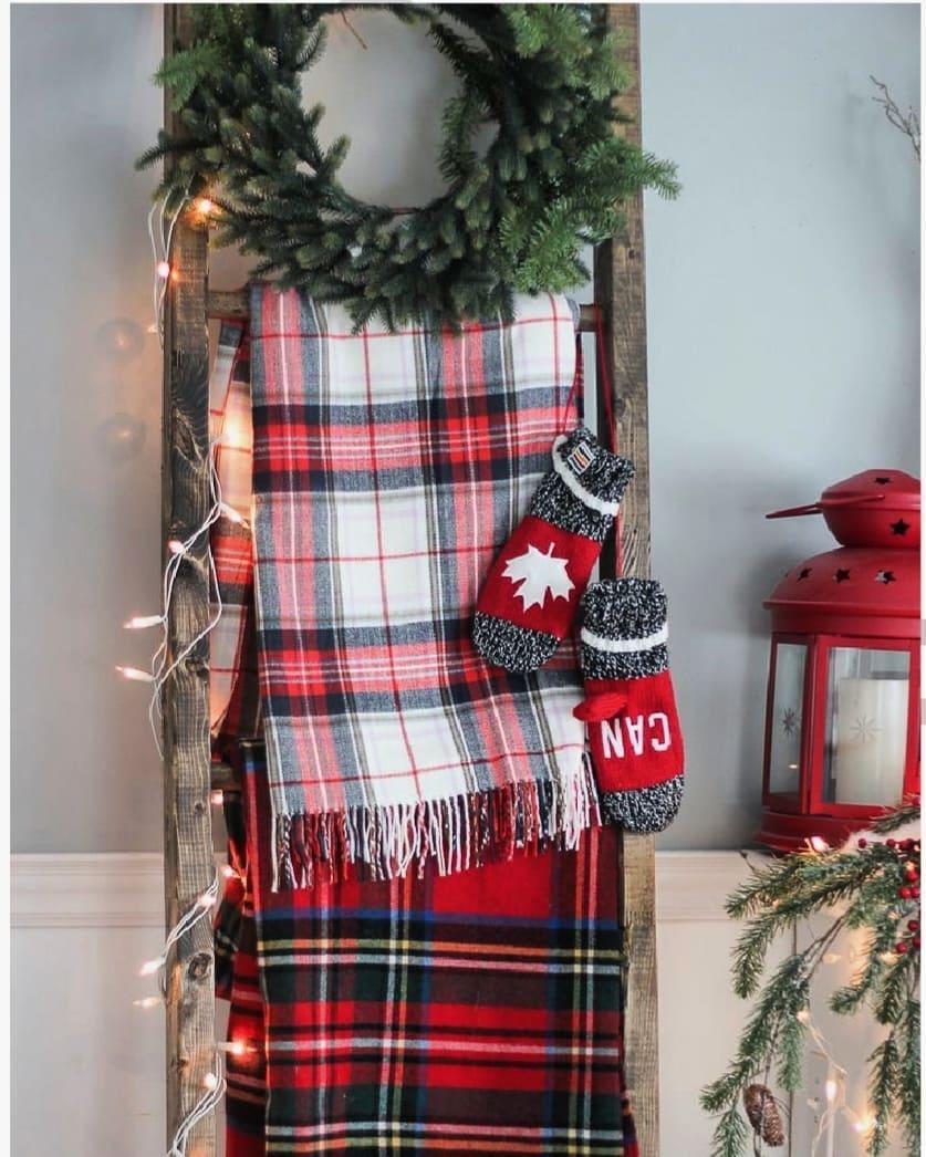 30-free-pattern-christmas-crochet-blanket-ideas