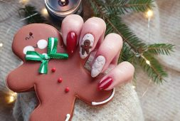 35-best-and-merry-christmas-nail-art-ideas-2020
